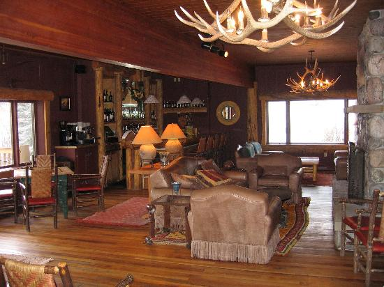Rainbow Ranch Lodge: Lounge in the main lodge