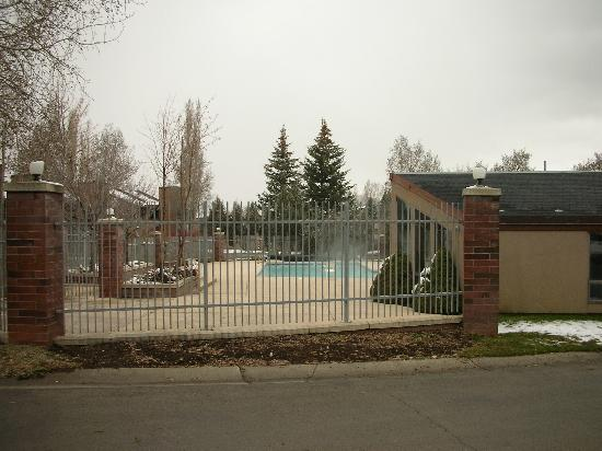 Park Avenue: Heated swim pool and 2 indoor hot tubs