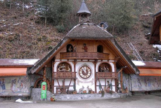 Hotel Ochsen: Worlds largest Cuckoo clock