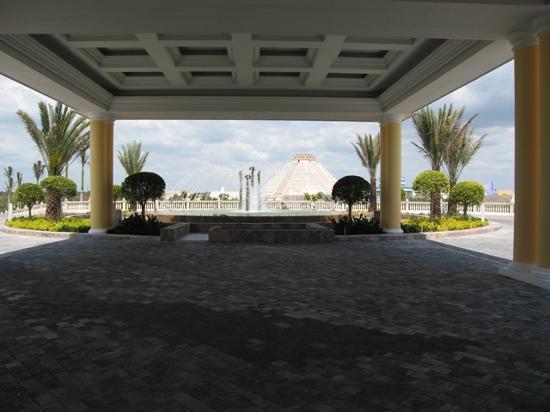 Iberostar Grand Hotel Paraiso: Entrada al hotel