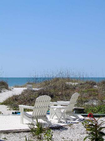 Gulfside Resorts: beach front