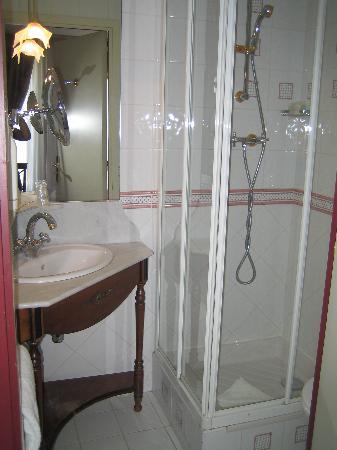 Villa Eugenie: My bathroom