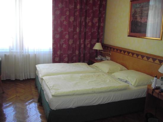 Hotel Post: habitacion doble 5º planta