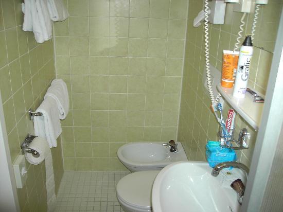 Hotel Post: otra foto del baño