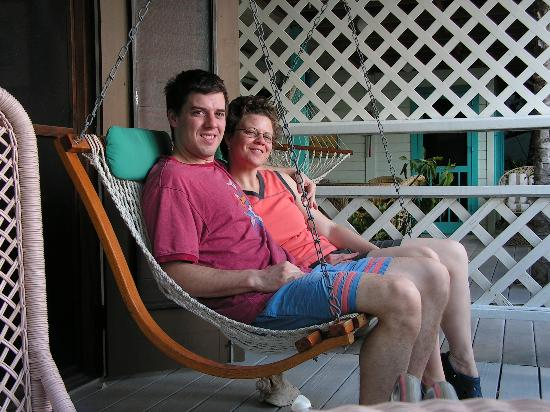 Mahogany Tree Villa: Enjoying the porch swing
