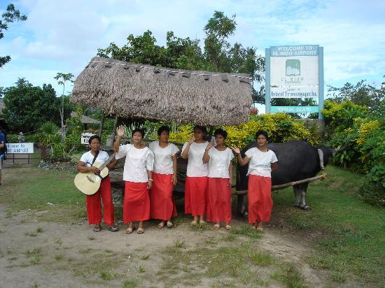 El Nido Resorts Lagen Island: Camera-shy kalabaw (water fuffalo)