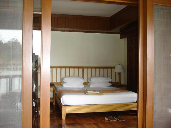El Nido Resorts Lagen Island: View of bed from balcony
