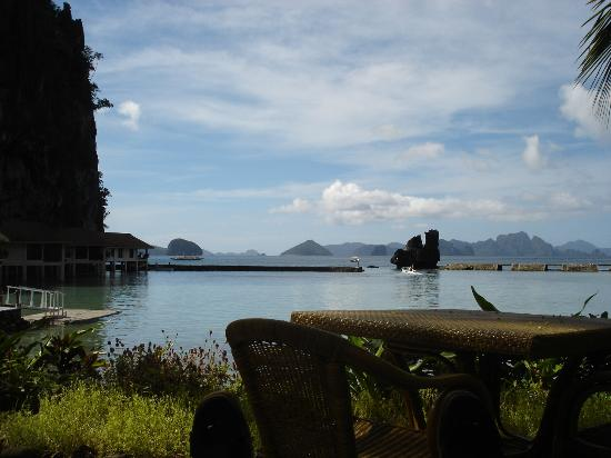 El Nido Resorts Lagen Island: Pool view (high tide)