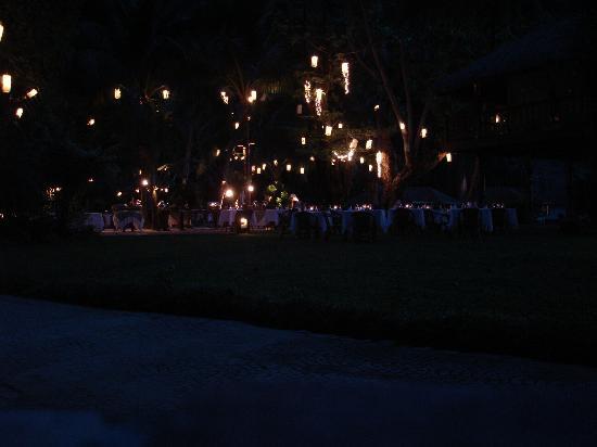 El Nido Resorts Lagen Island: Outdoor dinner setup