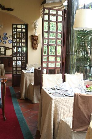 Mansion Alcazar Boutique Hotel: The garden restaurant.