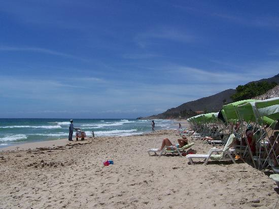 Pueblo Caribe Hotel : Playa El Tirano, playa del hotel