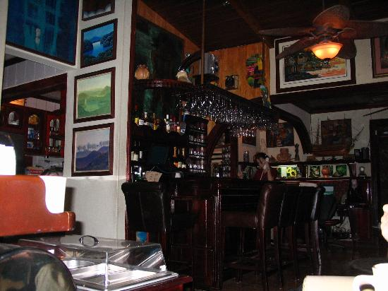هوتل كازا رولاند: Reception/bar area