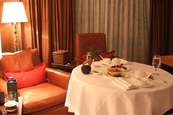 Awesome Room Service - 香港香港文華東方酒店的圖片- Tripadvisor