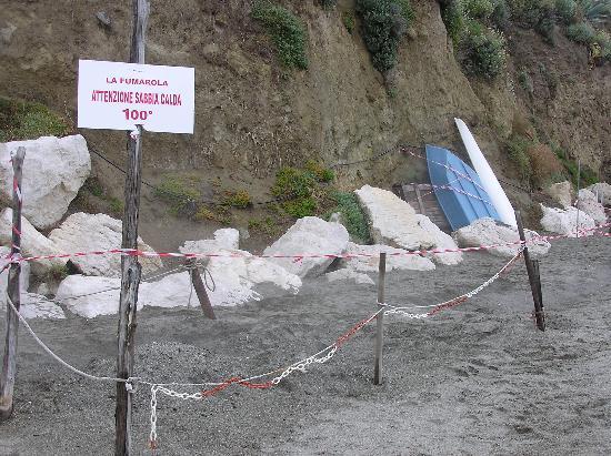 Isola d'Ischia, İtalya: Le fumarole, smoking sand
