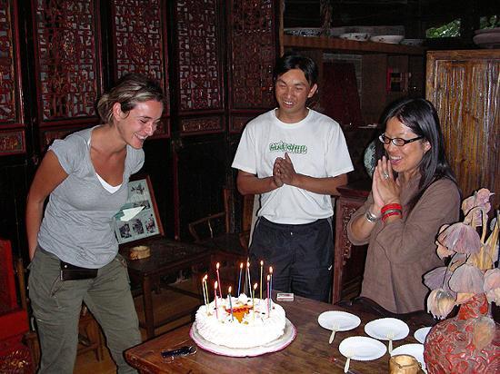 Zen Garden Hotel (Wuyi Yard): Regalaron un pastel para celebrar mi cumpleaños