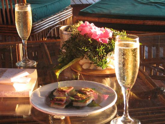 Nukubati Private Island: Champagne every afternoon was wonderful