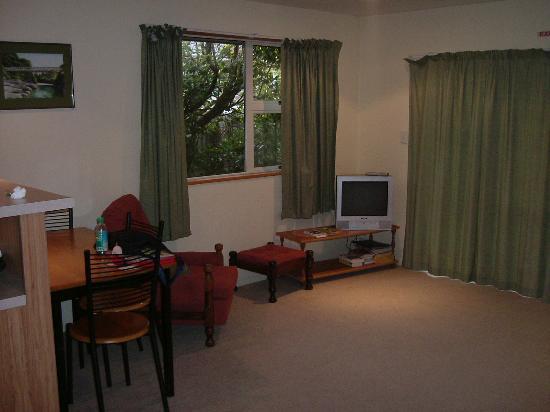 """Mt Hutt Accommodation Ltd. """"Bed Post"""": Dining 'Room'"""
