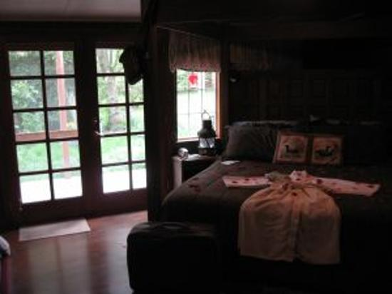 Sandlake Country Inn : Timbers Suite