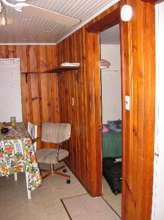 Gwinn Island Resort and Marina: inside cabin