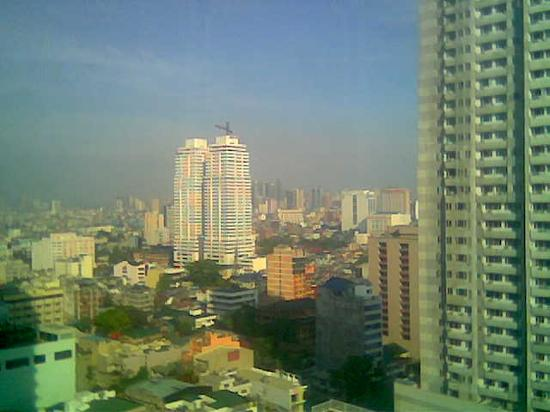 Diamond Hotel Philippines: Another view from our room 2308