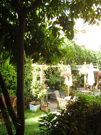 Nice Garden Hotel: View from our room. 1