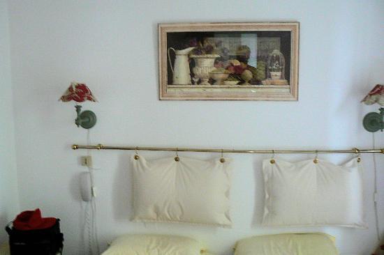 Hotel de l'Avre: arredamento romantico