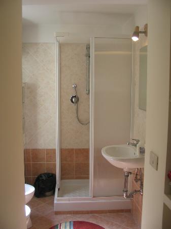 Capo di Ferro: washroom