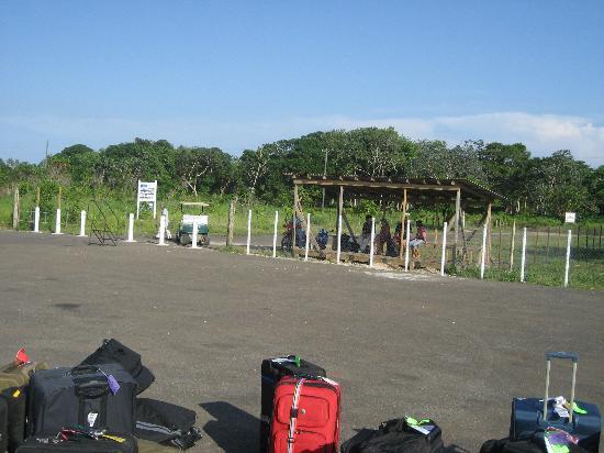 Utila, Honduras : Terminal A at the Airport