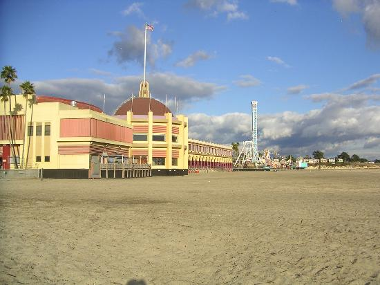 Super 8 Santa Cruz/Boardwalk West: Santa Cruz beach and boardwalk park