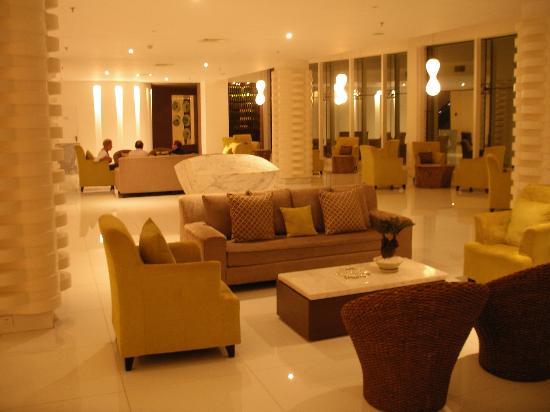 Club Med Guilin: Hotel lobby