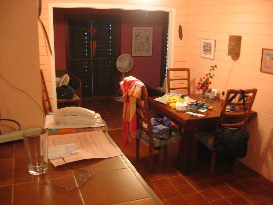 Mahogany Tree Villa: Dining Area