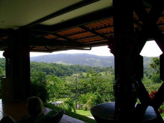 Arenal Kioro Suites & Spa: Looking away from Volcano