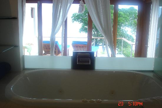 Royal Davui Island Resort: View From Jacuzzi Bath, Royal Davui, Fiji