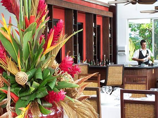 Gaia Hotel & Reserve: La Luna in her splendid glory