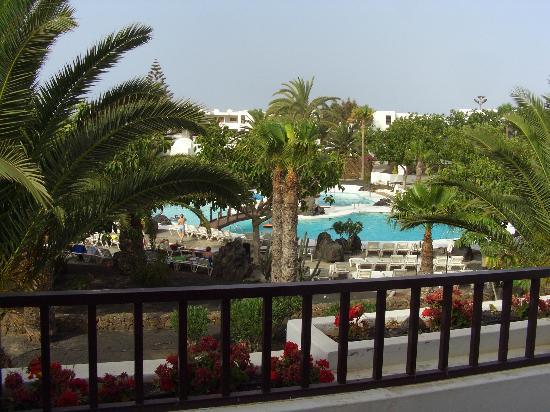 H10 Suites Lanzarote Gardens: Vista desde nuestra habitacion