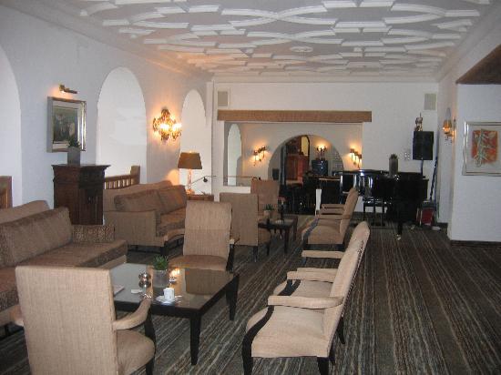 Morosani Schweizerhof Davos: Main lounge
