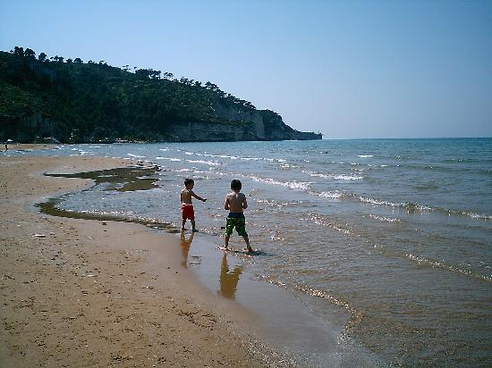 Villaggio Camping Bellariva: Our grandsons enjoying the water