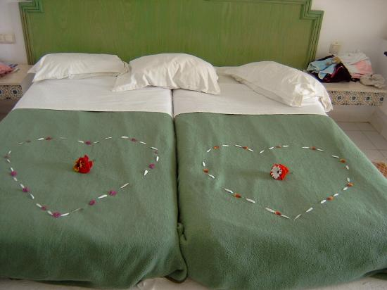 Hotel Dalia : Maid Service!!