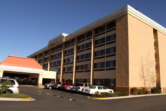 Holiday Inn Express Flagstaff: Exterior view