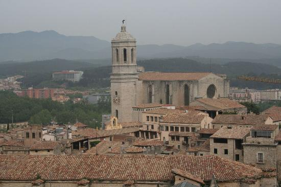 Hotel Peninsular: View of Cathederal from city wall