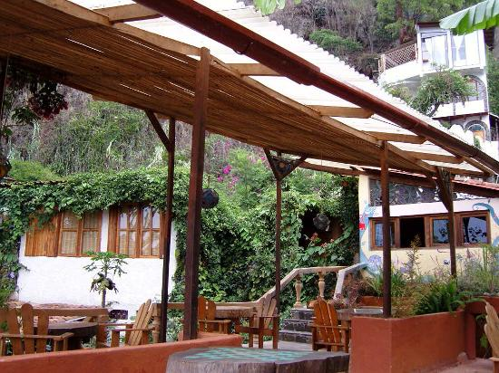 Lush Atitlan/Hotel Aaculaax : The terrace