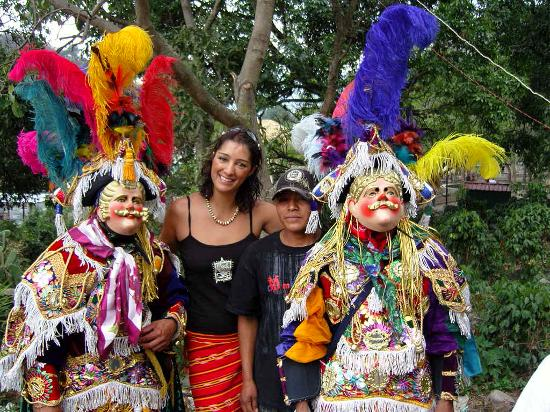 Lush Atitlan/Hotel Aaculaax : The spanish dancers