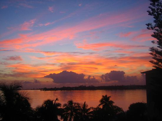 Bahamas : Beautiful Sunrise