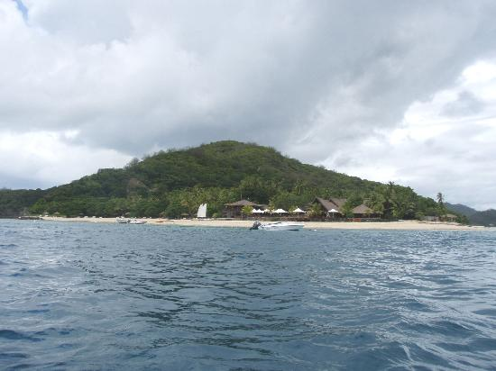 Castaway Island Fiji: The island from the boat