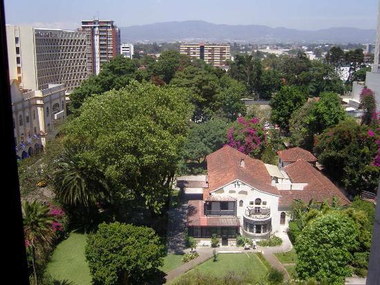 Apartamentos Las Torres: View zona viva