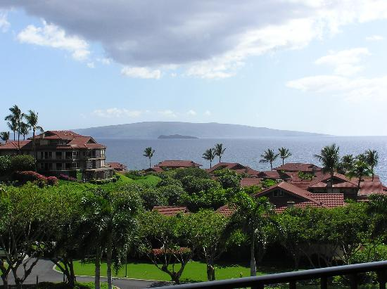 Four Seasons Resort Maui at Wailea: View from our south side Lanai