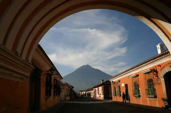 Antigua, Guatemala: Under the arc