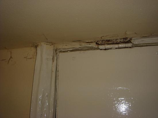 The Lonsdale Hotel: Rotten door frame