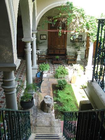 Hotel Posada Toledo & Galeria: steps to upper level