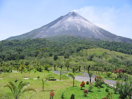 Arenal Kioro: Arenal Volcano View from Room (#102)